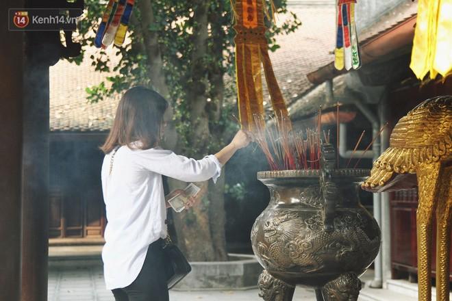 Từ chuyện cô gái được crush bỏ chặn facebook, chủ động nhắn tin, ghé thăm chùa Hà cầu duyên nổi tiếng ở Hà Nội - Ảnh 7.
