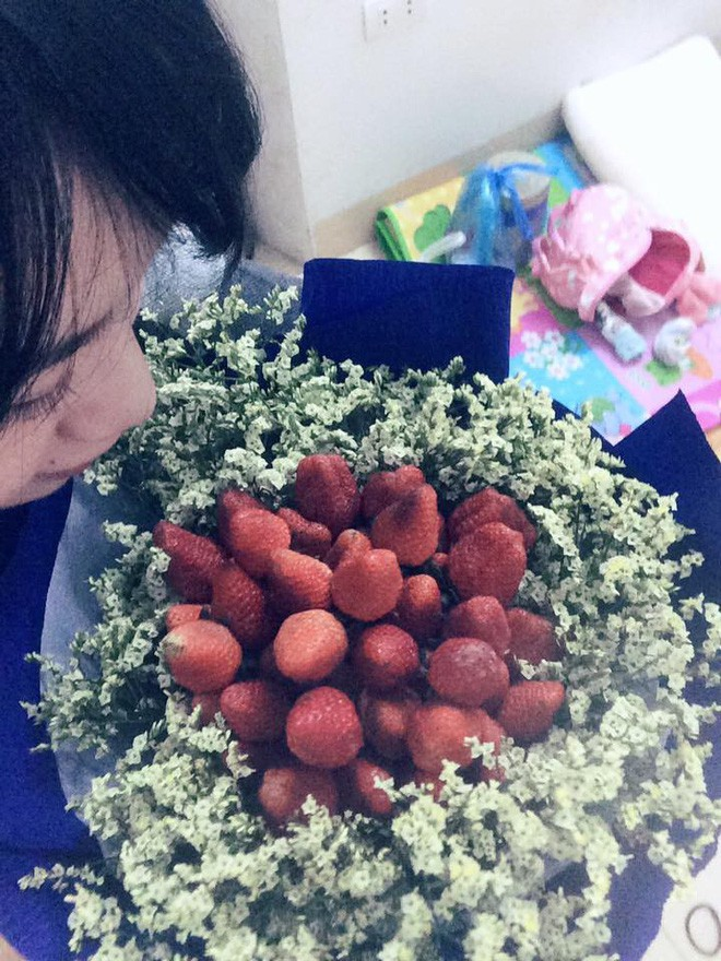 Mua hoa dâu tây ảnh minh họa đẹp long lanh qua mạng, cô gái muốn khóc cạn nước mắt khi nhận được sản phẩm - Ảnh 7.