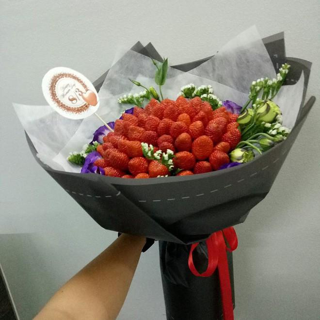 Mua hoa dâu tây ảnh minh họa đẹp long lanh qua mạng, cô gái muốn khóc cạn nước mắt khi nhận được sản phẩm - Ảnh 8.