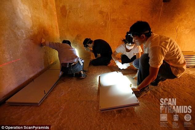 Phát hiện căn phòng lớn trong kim tự tháp Giza, nghi chứa ngai vàng bằng sắt thiên thạch - Ảnh 3.