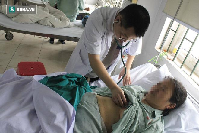 Cứu sống người phụ nữ Trung Quốc bị nhồi máu cơ tim khi đang đi du lịch ở Việt Nam - Ảnh 2.
