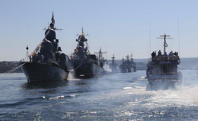 NÓNG: Mỹ điều tàu sân bay, chuẩn bị cùng Anh, Pháp đánh Syria, Nga báo động chiến đấu cao - Ảnh 3.