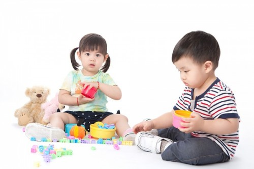 Nhiều trẻ mắc bệnh tay chân miệng, cha mẹ cần theo dõi những dấu hiệu sớm để kịp xử trí - Ảnh 2.