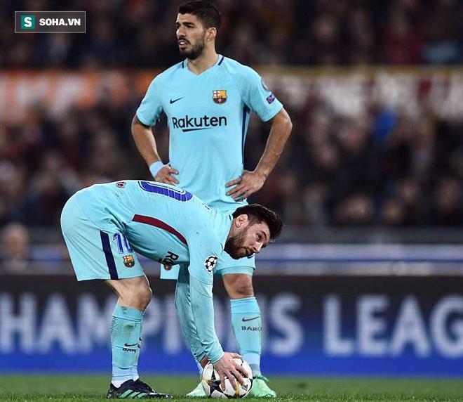 Tịt ngòi ở trận thua AS Roma, Messi đã đầu hàng trước Ronaldo - Ảnh 2.