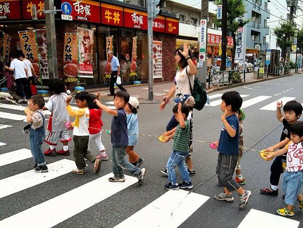 Sau 6 năm sống ở Nhật, nữ nhà báo Mỹ chỉ ra 8 điều đáng học hỏi trong cách dạy con của hàng triệu mẹ Nhật - Ảnh 4.