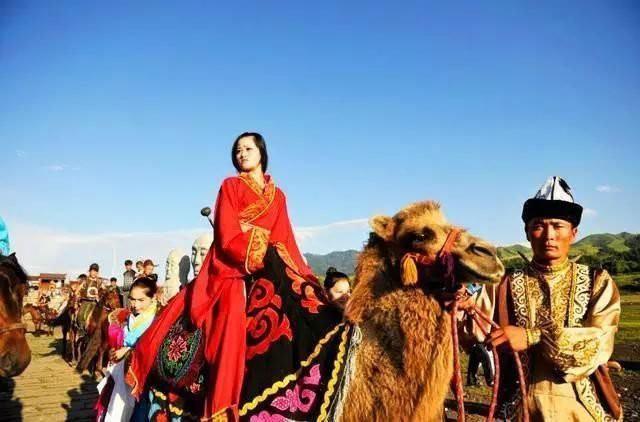 Nếu đưa dâu bằng đường bộ, thì công chúa Khoát Khoát Chân rất có thể sẽ mất tới 7,8 năm mới có thể chính thức lấy chồng! (Ảnh minh họa).