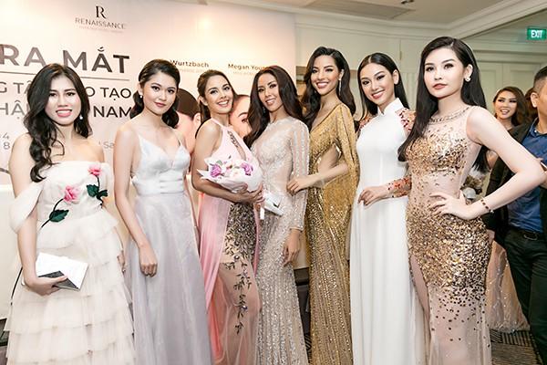 Lan Khuê tự tin đọ sắc cùng Hoa hậu Thế giới, Hoa hậu Hoàn vũ - Ảnh 1.