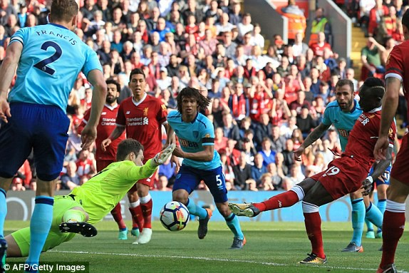 Chuỗi ngày thăng hoa chưa dứt, Liverpool lại chìm trong hạnh phúc - Ảnh 4.