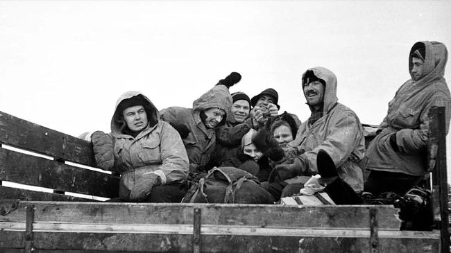 Cái chết bí ẩn của 9 người leo núi xấu số trên Đèo Dyatlov: nạn nhân chết vì mất nhiệt, có chấn thương không thể do con người gây ra, quần áo bị nhiễm xạ nặng - Ảnh 1.