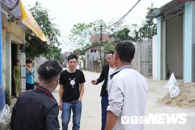 Ảnh: Người cá Ngô Văn Thọ dũng cảm livestream trên facebook để không bị hòa tan - Ảnh 15.