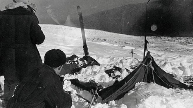Cái chết bí ẩn của 9 người leo núi xấu số trên Đèo Dyatlov: nạn nhân chết vì mất nhiệt, có chấn thương không thể do con người gây ra, quần áo bị nhiễm xạ nặng - Ảnh 3.