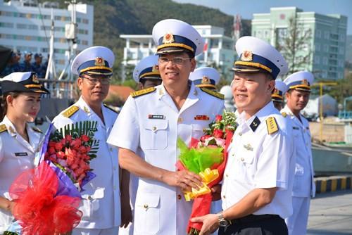 Tàu buồm Lê Quý Đôn xuất phát huấn luyện trên biển - Ảnh 2.