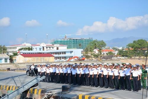 Tàu buồm Lê Quý Đôn xuất phát huấn luyện trên biển - Ảnh 7.