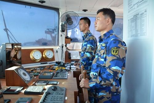 Tàu buồm Lê Quý Đôn xuất phát huấn luyện trên biển - Ảnh 9.