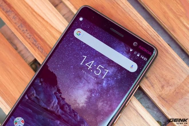 Trên tay Nokia 7 Plus tại VN: Snapdragon 660, Android One mượt mà, camera kép Zeiss, giá khoảng 9-10 triệu đồng - Ảnh 2.