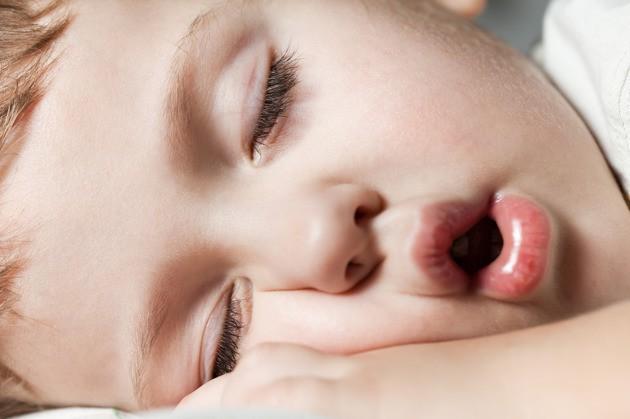 3 bước ma thuật giúp con đi ngủ dễ dàng để bố mẹ có thể dành thời gian cho bản thân - Ảnh 1.