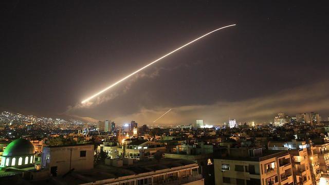 [Ynetnews] Syria bị không kích: Mỹ đã vấy bẩn giường, nhưng Israel lại phải nằm vào đó! - ảnh 1