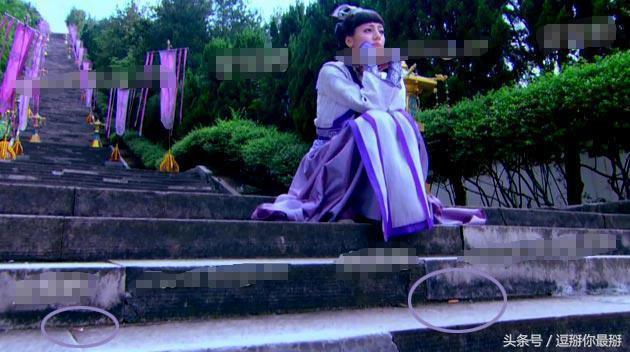 Sạn khó tin trong phim cổ trang: Hoàng đế đeo đồng hồ, xuất hiện cột điện cao thế - Ảnh 8.