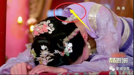 Sạn khó tin trong phim cổ trang: Hoàng đế đeo đồng hồ, xuất hiện cột điện cao thế - Ảnh 10.