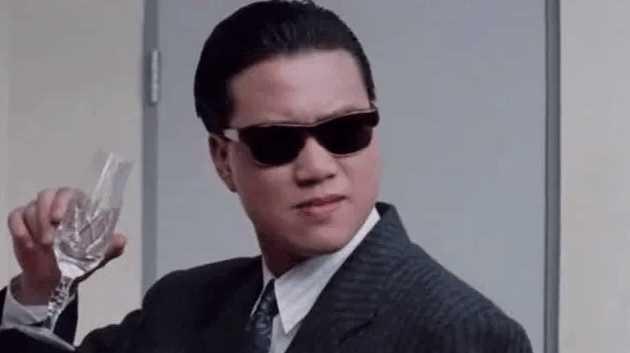 Huyền thoại màn ảnh, đại ca của Châu Tinh Trì về già đi hát quán bar kiếm tiền chữa bệnh - Ảnh 2.