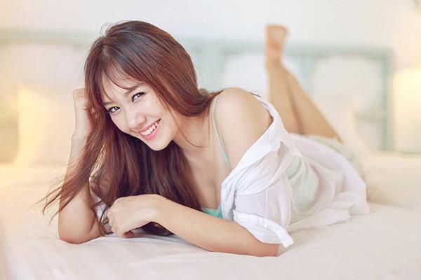 Không thua kém Trường Giang, Trấn Thành có dàn người tình đầy nóng bỏng - Ảnh 9.