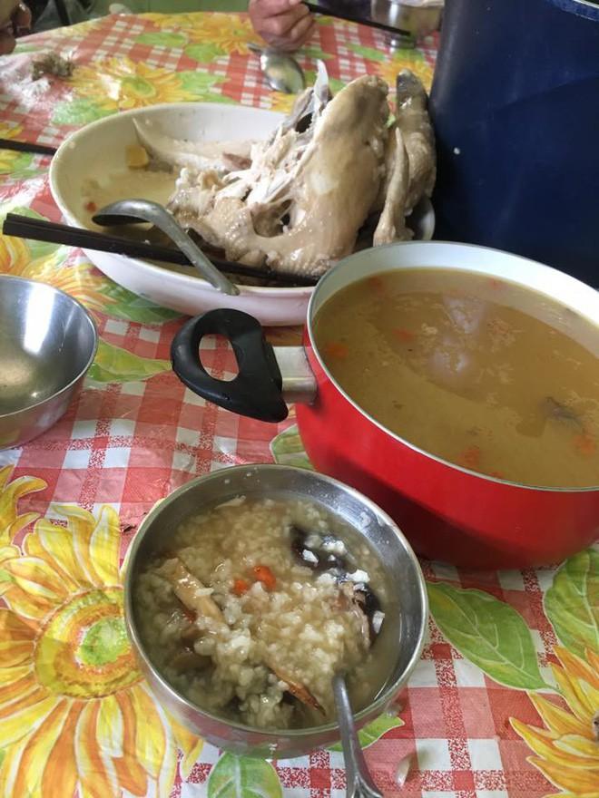 Vợ trẻ nấu mâm cơm 3 món ngon, được chồng khen mà vẫn ấm ức vì bị bà thím sang soi làm gì có chất - Ảnh 8.