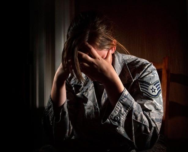 Nghiên cứu gây sốc: Quấy rối tình dục trong quân đội Mỹ nhiều hơn trong đời thường - Ảnh 3.