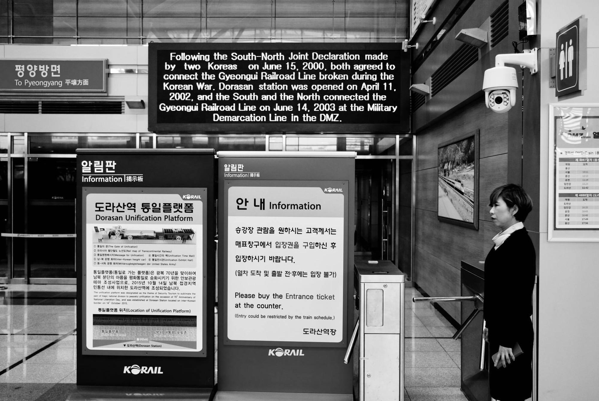 [PHOTO ESSAY] Thù địch và hy vọng ở DMZ liên Triều nhìn từ hai phía qua ống kính người Việt - Ảnh 20.