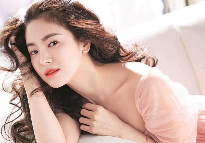 Tứ đại mỹ nhân màn ảnh Hàn: Xinh đẹp, tài năng, nổi tiếng còn lấy được chồng toàn cực phẩm - Ảnh 3.