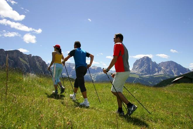 Không cần tập thể dục, liệu chỉ đi bộ mỗi ngày đã đủ giúp bạn khỏe mạnh? - Ảnh 1.
