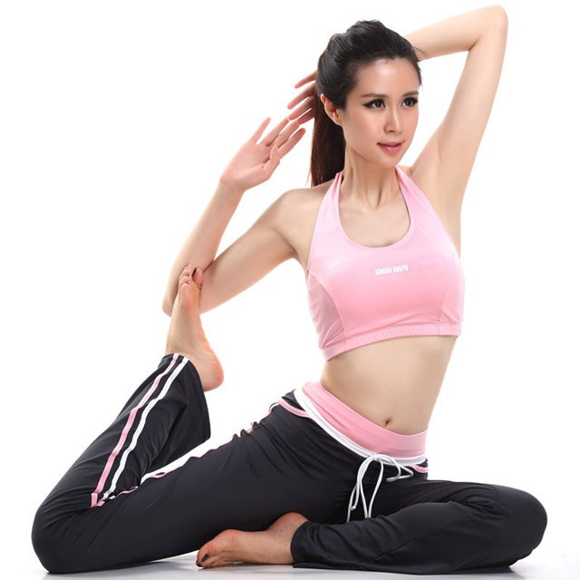 ngam-nhin-nhan-sac-giao-vien-yoga-cung-dong-phim-voi-thanh-long-3