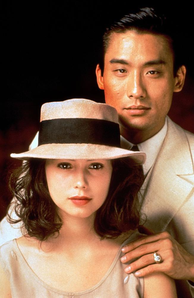 Lương Gia Huy - Người đàn ông gợi tình nhất Hồng Kông đã đoạn tuyệt các mỹ nhân vì người vợ béo già kém sắc - Ảnh 2.
