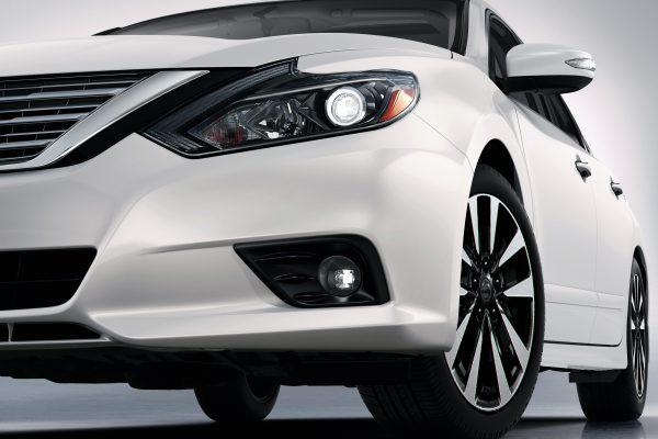 Cận cảnh chiếc ô tô vừa được giảm giá hơn 100 triệu đồng - Ảnh 3.