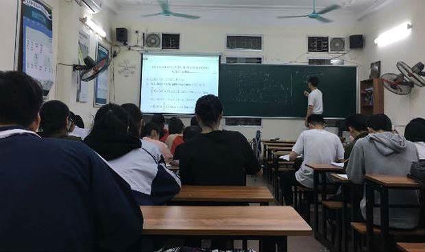 Cập nhật tình hình luyện thi của học sinh THPT trên cả nước - Ảnh 1.