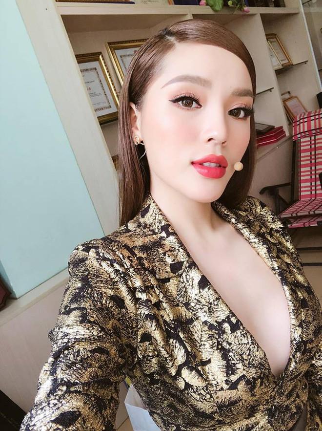 3 người đẹp cùng tuổi Kỳ Duyên, Angela Phương Trinh và Nam Em: sau những nghi án thẩm mỹ liên tiếp, hiện giờ nhan sắc ra sao  - Ảnh 3.