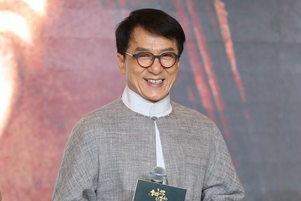 Ngoài Dương Mịch, Triệu Vy - Lý Liên Kiệt - Thành Long là những trùm sò ăn quỵt tiền từ thiện? - Ảnh 5.
