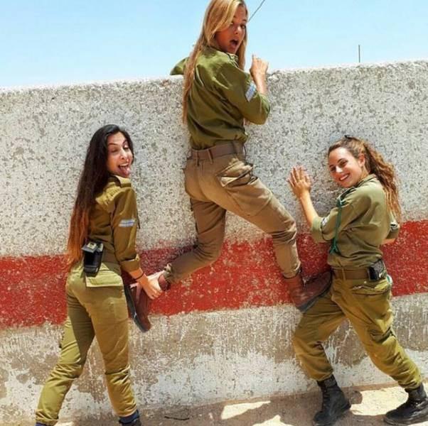 Vũ khí đáng gờm nhất của quân đội Israel - Những quả bom cực nóng - Ảnh 8.