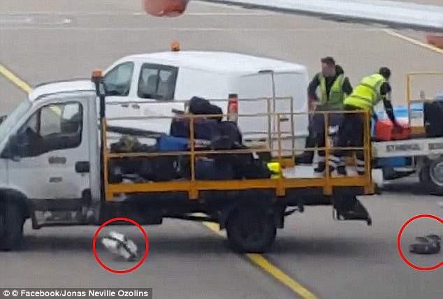 Nhìn cách nhân viên sân bay Nhật Bản lau từng vali của khách, cư dân mạng không tiếc lời khen ngợi, thán phục - Ảnh 4.