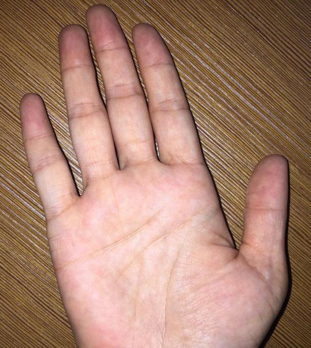 Bàn tay mà có 12 dấu hiệu này, bạn sẽ phú quý giàu sang cả