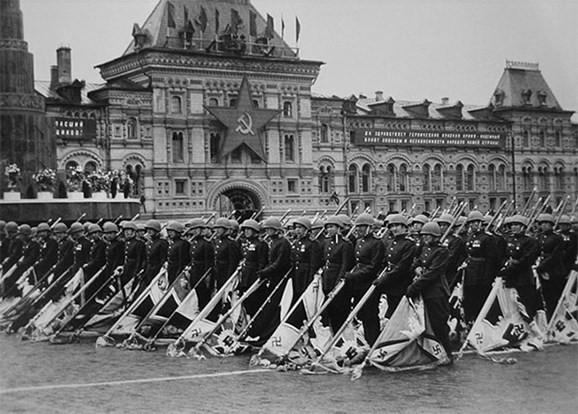Những điều đặc biệt về lễ duyệt binh Ngày Chiến thắng của Nga - Ảnh 1.