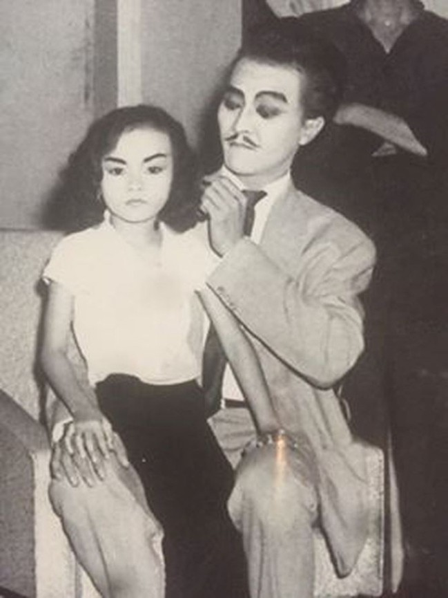 Loạt ảnh thời trẻ hiếm hoi của danh ca Hương Lan lần đầu công bố - Ảnh 3.