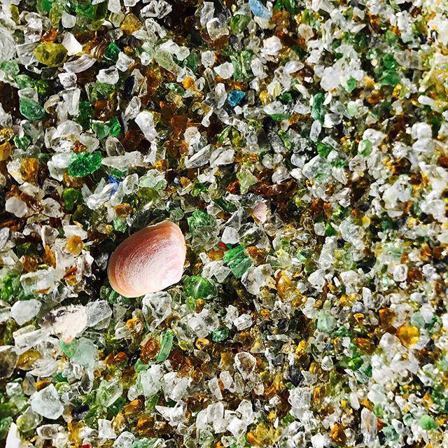 Lạ lùng bãi biển toàn thủy tinh ở Nhật Bản - Ảnh 7.