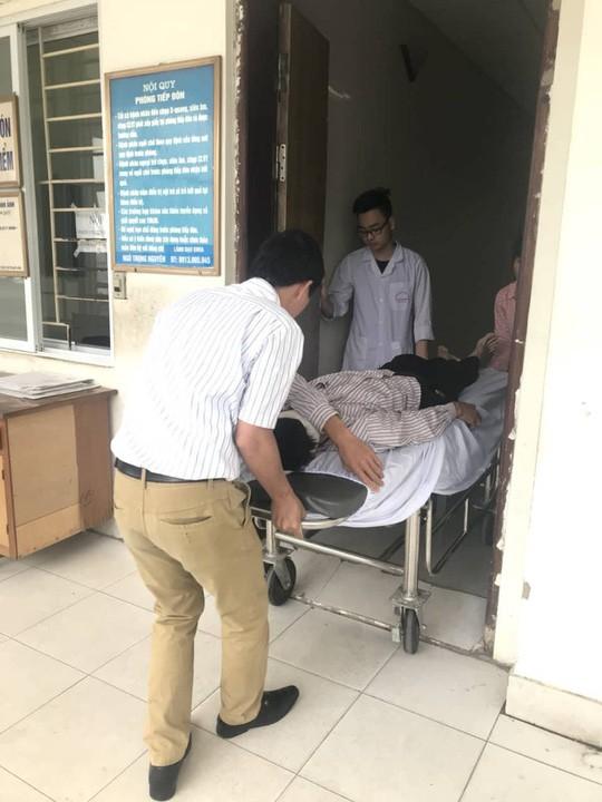 Đầu choáng váng, tài xế taxi Mai Linh bị đánh nhập viện chụp cắt lớp - Ảnh 5.