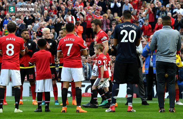 Carrick thổ lộ ước muốn cuối cùng trong ngày chia tay Old Trafford - Ảnh 1.