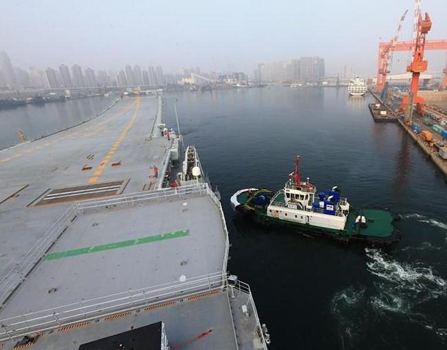 Trung Quốc cho tàu sân bay tự chế đầu tiên chạy thử - ảnh 2