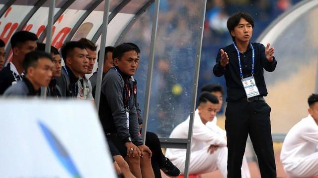 Đội bóng của HLV Miura treo thưởng cực lớn thời hậu Công Vinh - Ảnh 1.