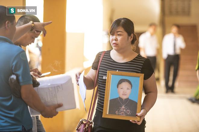 Chủ tọa vụ xử BS Hoàng Công Lương: Tòa triệu tập 2 lần ông Trương Quý Dương vẫn không có mặt! - Ảnh 2.