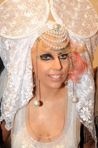 Lady Gaga: Bệnh tật đau đớn ở tuổi 32 và nỗi ám ảnh bị cưỡng hiếp - Ảnh 6.