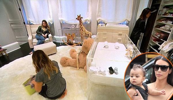 """Con gái Kim """"siêu vòng ba"""": 5 tuổi đã sở hữu tủ đồ hiệu hàng chục tỷ, đi phi cơ riêng - Ảnh 2."""
