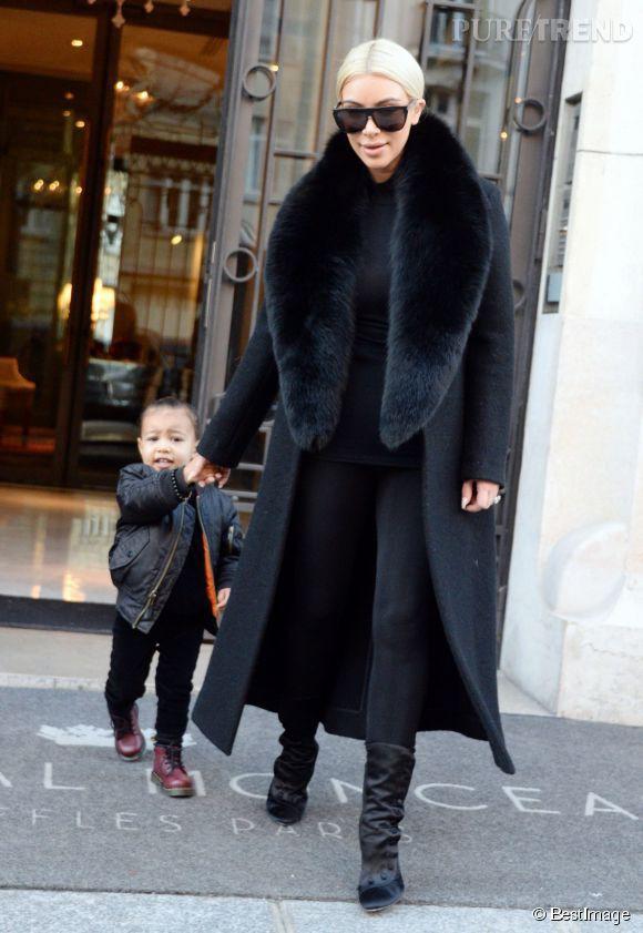 """Con gái Kim """"siêu vòng ba"""": 5 tuổi đã sở hữu tủ đồ hiệu hàng chục tỷ, đi phi cơ riêng - Ảnh 17."""